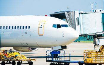jet-aircraft-docked-dubai-international-airport_91566-382